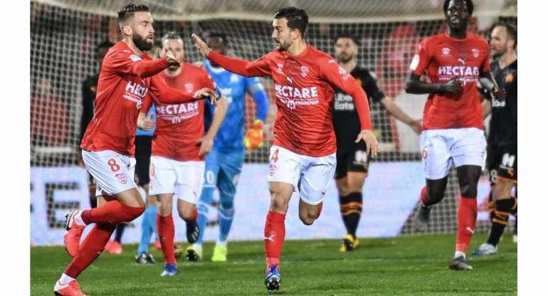 Quelle sera l'issue du match entre Brest et Nîmes ?